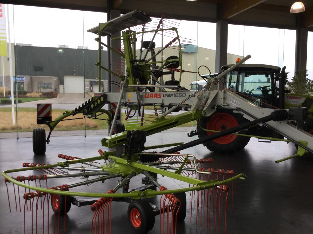 Claas - liner - 2800 - double - Andaineuse - central